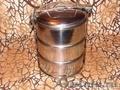 Продается металлический контейнер для горячей еды.