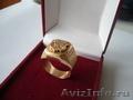 Золото . Кольцо, перстень, печатка с гербом.