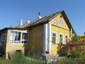 Дом в центре села.
